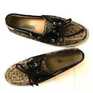 Sperry Top-Sider cheetah loafers size 8.5M
